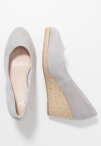 Evans - WIDE FIT CLOSED TOE WEDGE - Sleehakken - grey - 3