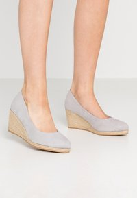 Evans - WIDE FIT CLOSED TOE WEDGE - Sleehakken - grey - 0