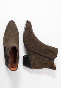 Evans - WIDE FIT ARIA CHELSEA BOOT - Støvletter - khaki - 3