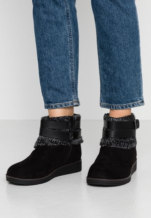 WIDE FIT ANJALI - Ankelboots - black
