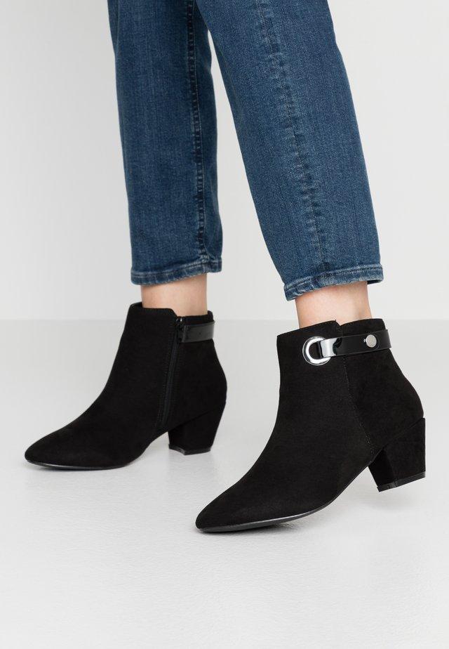 WIDE FIT ARING  RING TRIM  - Korte laarzen - black