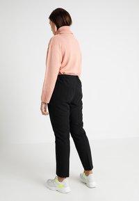 Evans - BAR TAB NAPLES TAPERED - Pantalon classique - black - 3