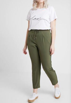 HENNA - Pantalones - khaki