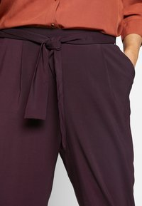 Evans - PLUM TIE FRONT TAPERED TROUSER - Kalhoty - purple - 2