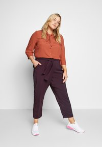 Evans - PLUM TIE FRONT TAPERED TROUSER - Kalhoty - purple - 1