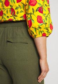 Evans - BLEND CROPPED TROUSER - Kalhoty - khaki - 4