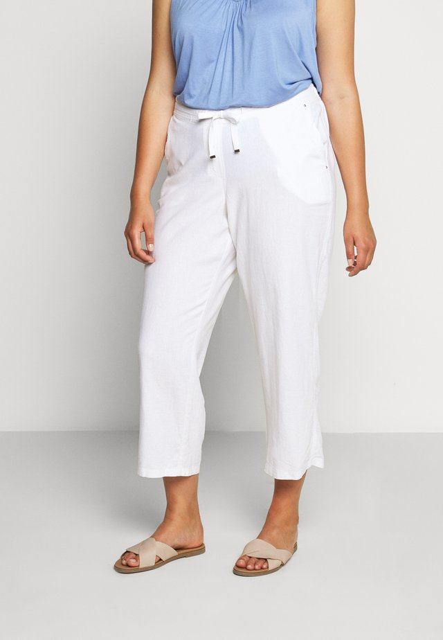 SHORT WHITE LINEN BLEND TROUSER - Stoffhose - white