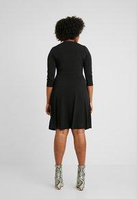 Evans - WRAP DRESS - Robe en jersey - black - 3