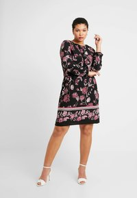 Evans - FLORAL BORDER SWING DRESS - Jerseykjole - black - 2