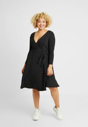 SPOT WRAP DRESS - Žerzejové šaty - black