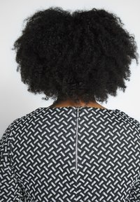 Evans - TEXURED PONTE DRESS WITH POCKETS - Robe fourreau - black - 4