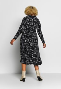 Evans - HEART ITY SHIRT DRESS - Robe en jersey - black - 2