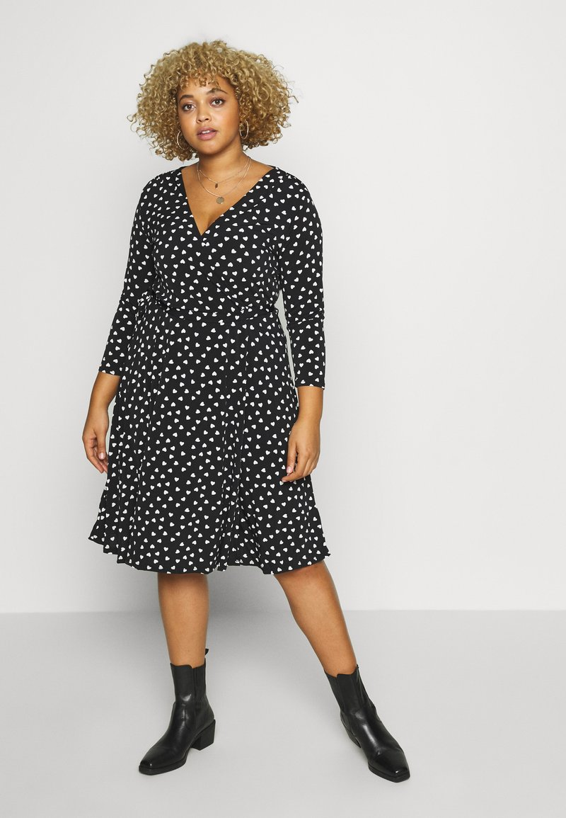 Evans - HEART PRINT WRAP DRESS - Sukienka z dżerseju - black