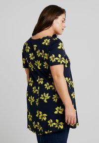 Evans - FLORAL V NECK TUNIC - T-shirts med print - navy - 2