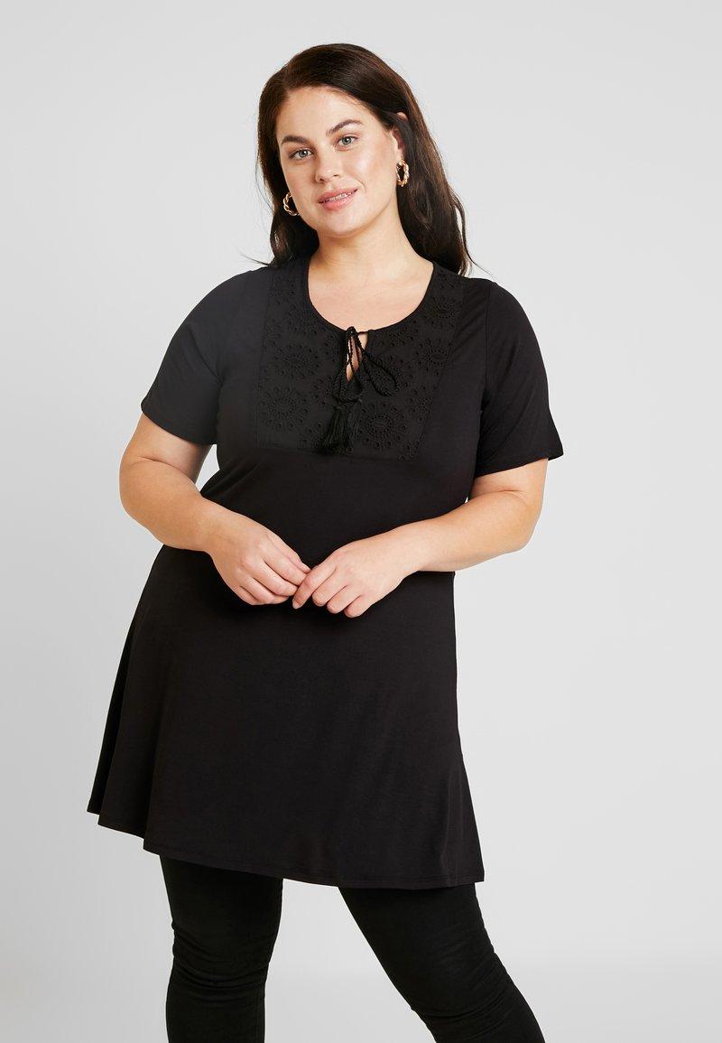 Evans - BRODERIE TRIM TUNIC - Camiseta estampada - black