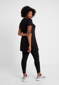 Evans - RING DETAIL - Print T-shirt - black - 2