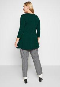 Evans - Langærmede T-shirts - green - 2