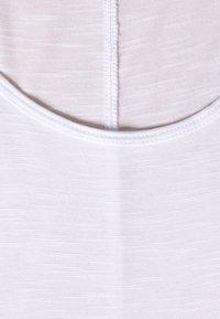 Evans - SCOOP NECK - T-shirts basic - white - 2