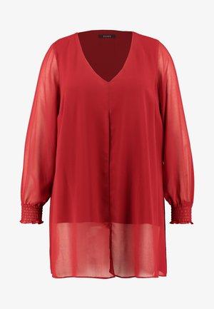 SPLIT FRONT SHIRRED CUFF - Blusa - red