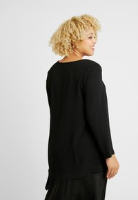 Evans - LONG SLEEVE HANKY HEM - Blouse - black - 2