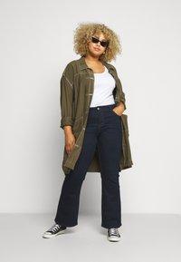 Evans - REGULAR BOOTCUT - Jeans bootcut - indigo - 1