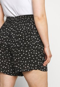 Evans - MONO PRINT PULL ON - Short - black/white - 3
