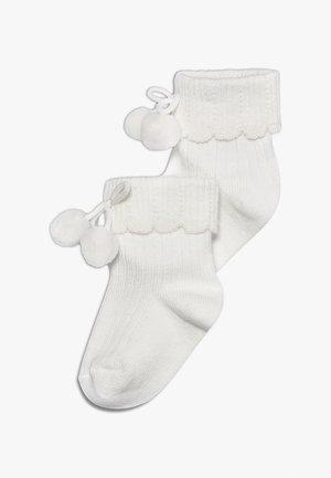 NEWBORN POM POM 2 PACK - Ponožky - latte