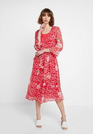 ELMO - Denní šaty - kirschrot