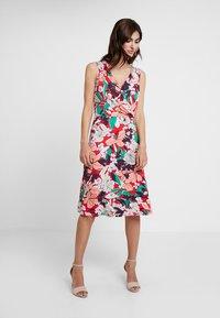 Expresso - ELONA - Žerzejové šaty - multi-coloured - 0