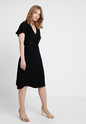 ENNEKE - Koktejlové šaty/ šaty na párty - black