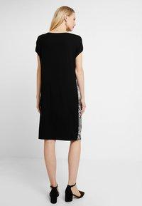 Expresso - FALLON - Denní šaty - black - 2