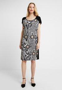Expresso - FALLON - Denní šaty - black - 0