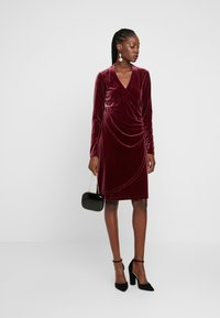 Expresso - NEISHA - Cocktail dress / Party dress - bordeauxrot - 2