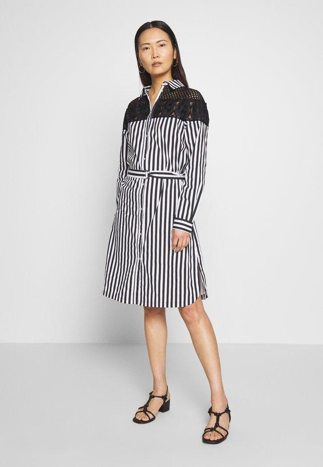 DEBORAH - Korte jurk - schwarz