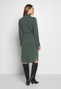 Expresso - CEYDA - Denní šaty - dark green - 2