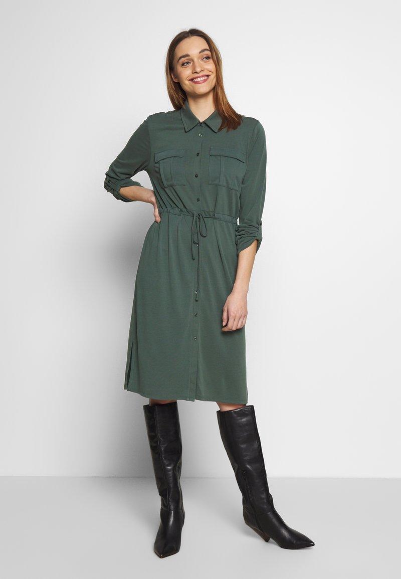 Expresso - CEYDA - Denní šaty - dark green