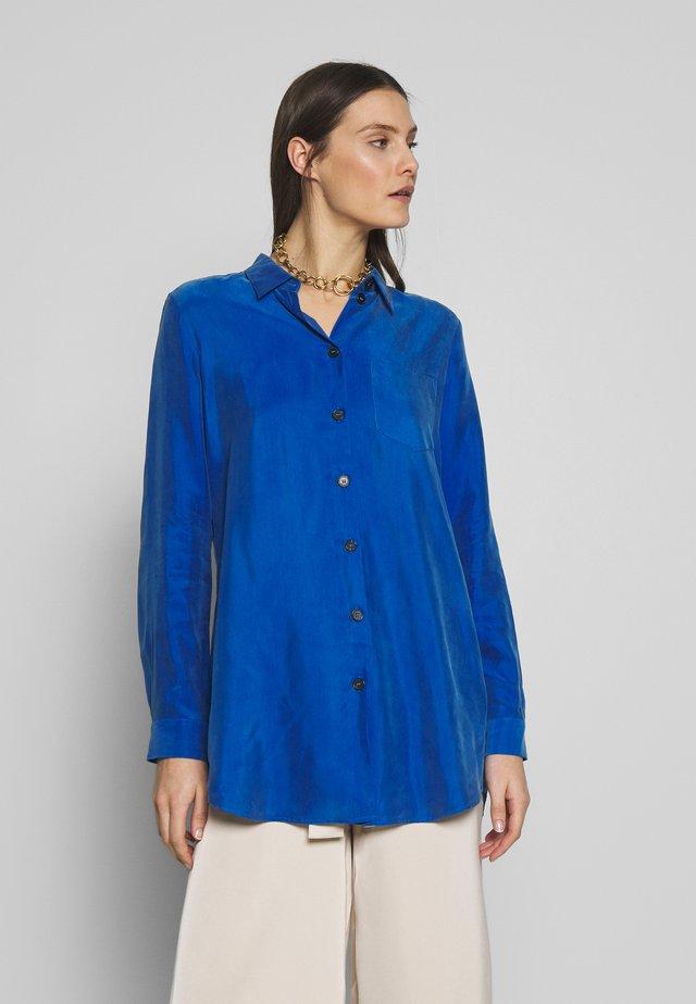 BROOKLYN - Hemdbluse - kobaltblau
