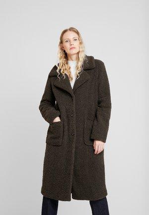 LEORA - Zimní kabát - olivgrün