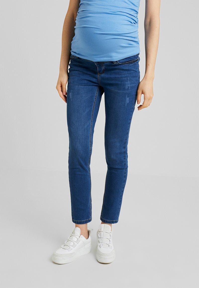 Anna Field MAMA - Slim fit jeans - mid blue denim