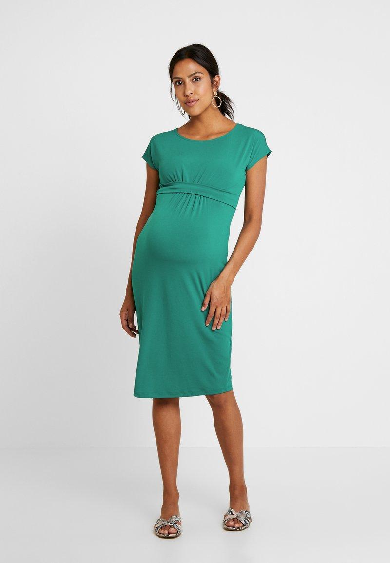 Anna Field MAMA - Shift dress - cadmium green