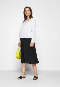 Anna Field MAMA - MATERTNIY SKIRT - A-line skirt - black - 1