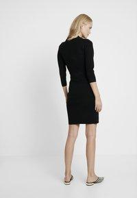 Anna Field MAMA - Stickad klänning - black - 2