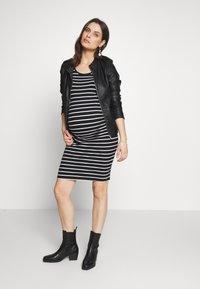 Anna Field MAMA - SHORTSLEEVE BODYCON DRESS 2Pack - Sukienka etui - black - 1