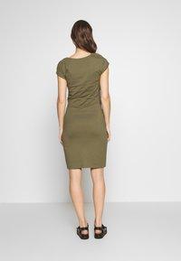 Anna Field MAMA - NURSING DRESS - Jerseyklänning - burnt olive - 2