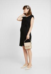 Anna Field MAMA - NURSING DRESS - Jerseykjole - black - 2