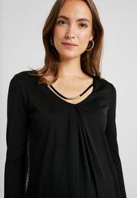 Anna Field MAMA - Långärmad tröja - black - 3