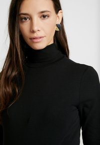 Anna Field MAMA - BASIC ROLL NECK LONG SLEEVES - T-shirt à manches longues - black - 3