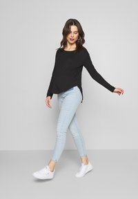 Anna Field MAMA - Long sleeved top - black - 1