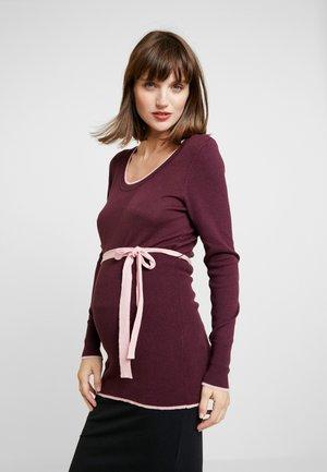 Stickad tröja - winetasting