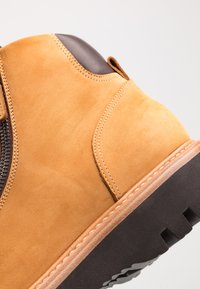 Franceschetti - Šněrovací kotníkové boty - cognac - 5